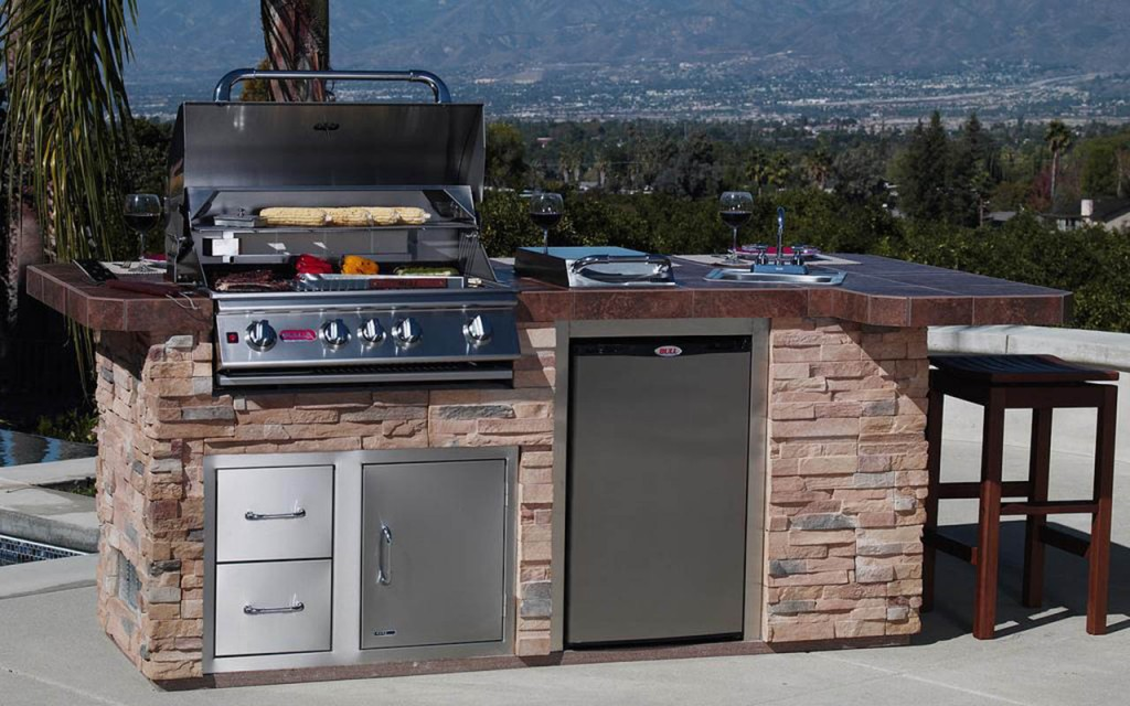 San Diego BBQ Grills Enormous Outdoor Kitchen and counter space